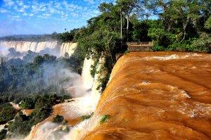 Puerto Iguazú. Fuente: Rod Waddington