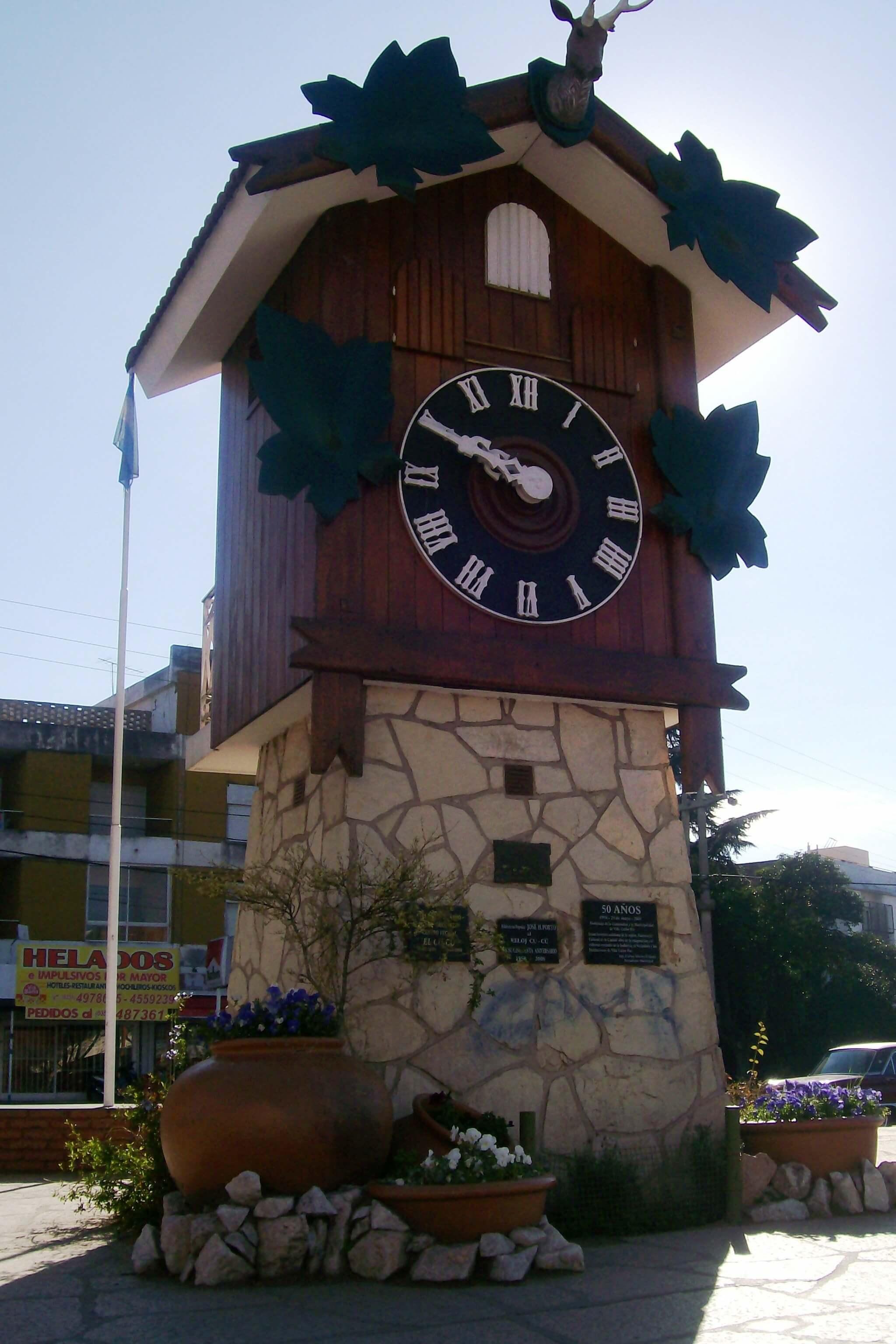 Reloj Cucu Villa Carlos Paz. Fuente: Wikipedia.