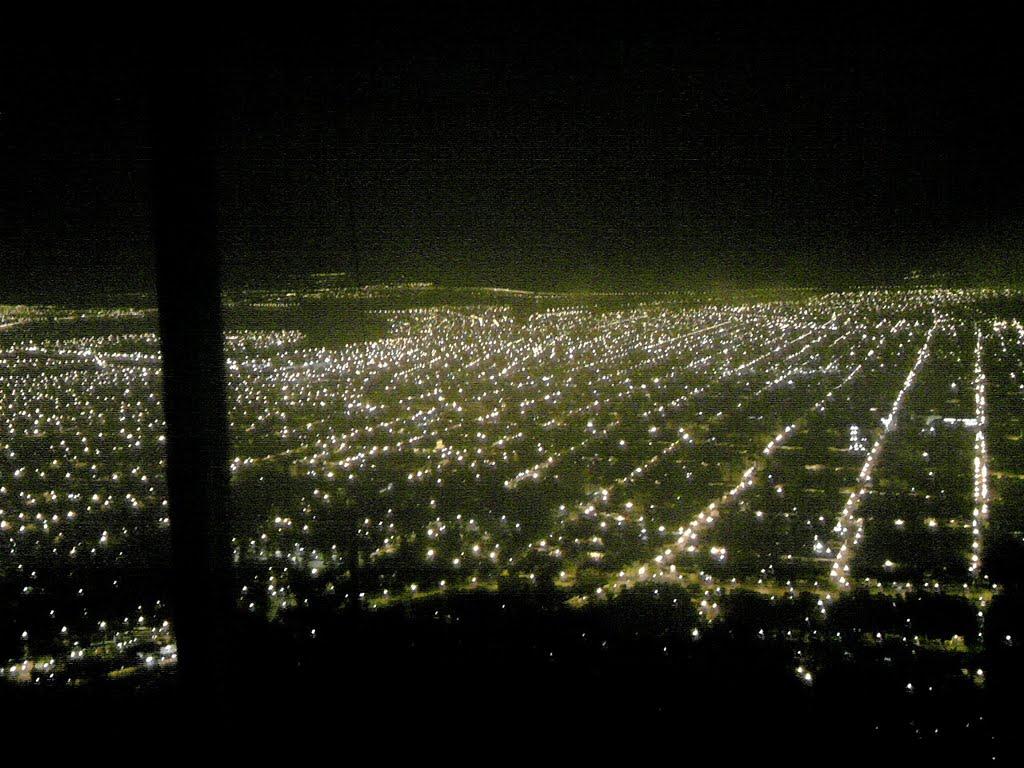 Cerro San Bernardo a la Noche. Fuente: mapio.net