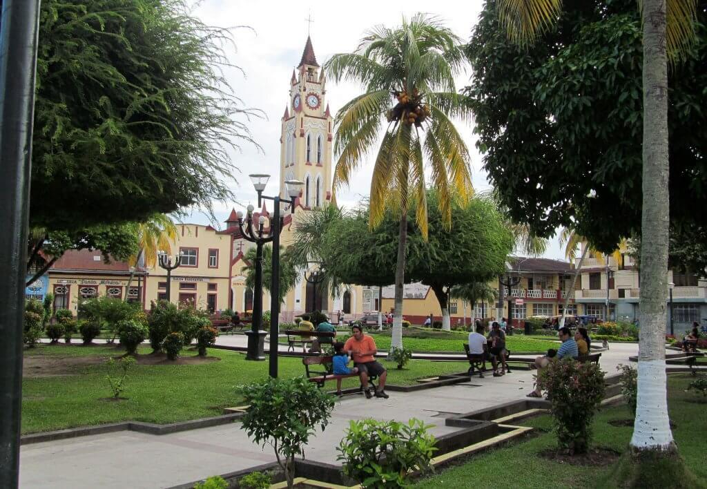 Plaza de Armas - Iquitos. Fuente: Peter - Flickr